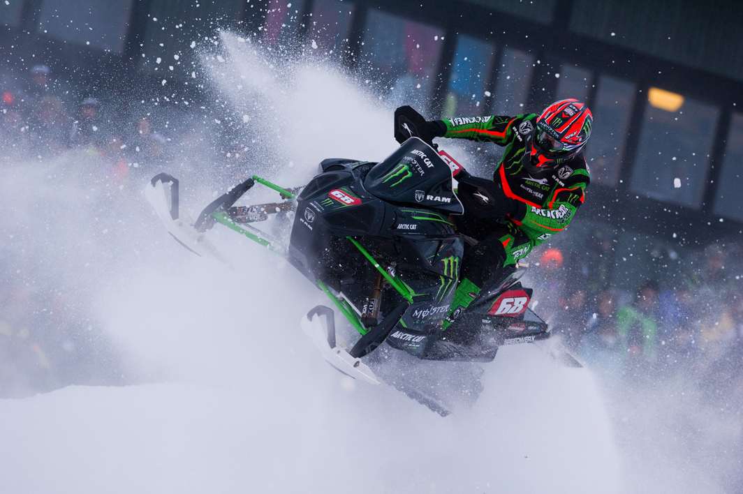 Tucker Hibbert announces 2015-2016 Snocross program and schedule