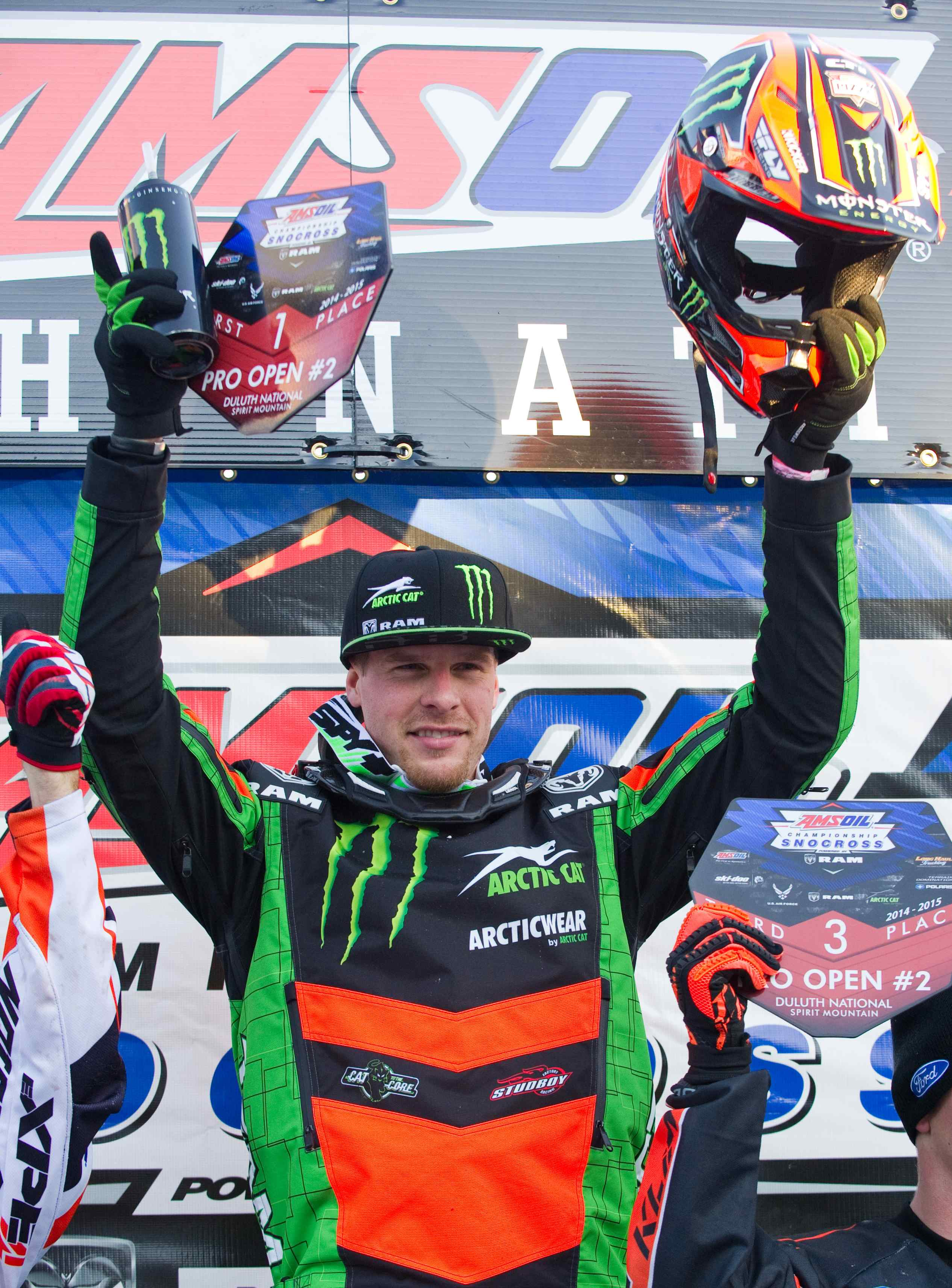 Tucker Hibbert returns to winning ways at Duluth Snocross National