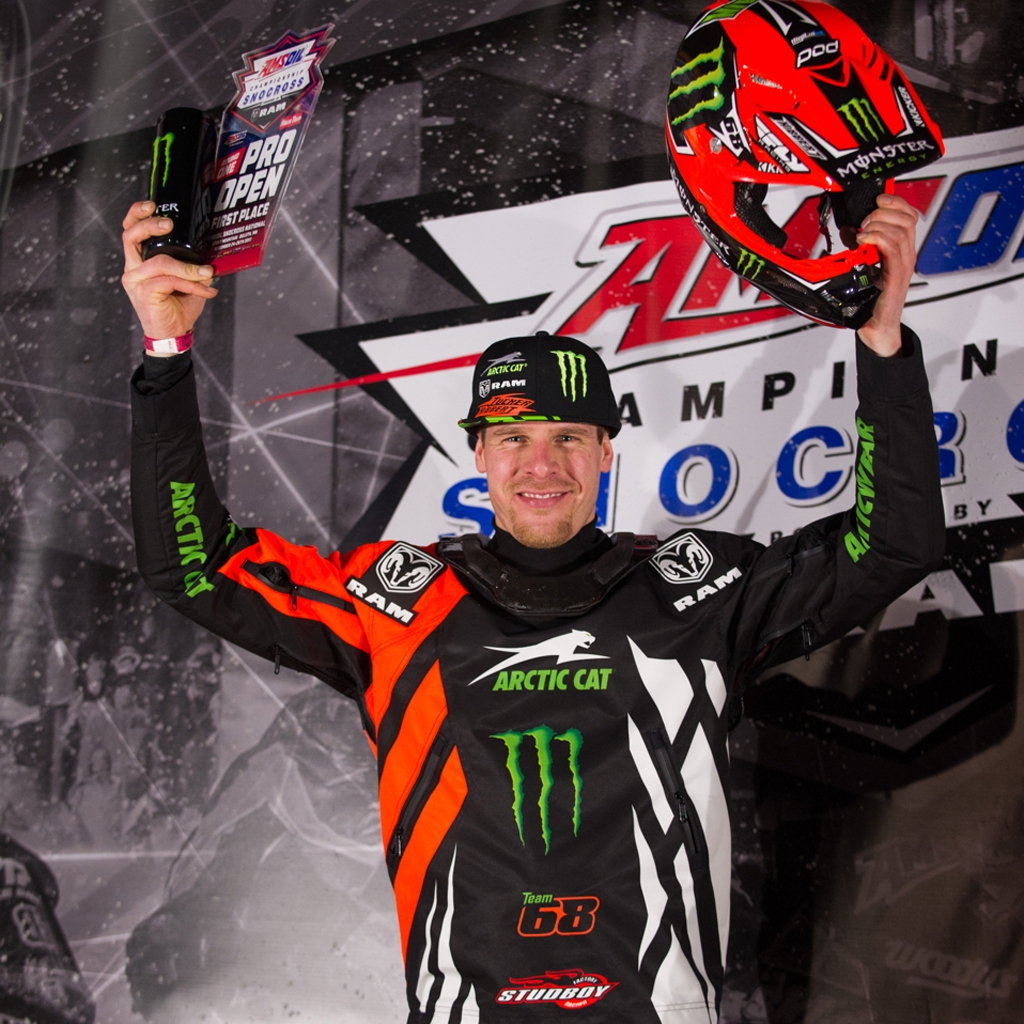 Hibbert in top form sweeping the first Snocross event of the 2017/2018 season